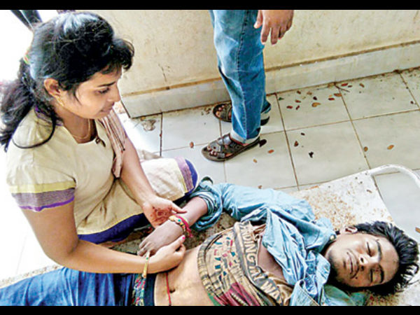 A Woman Tied Rakhi Her Brother S Dead Body