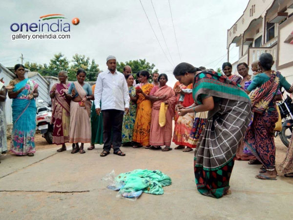 Telangana Government S Saree Scheme Disappoints Women