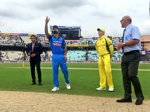 India Vs Australia 3rd Odi Steve Smith Elects Bat A Must Win Game In Indore
