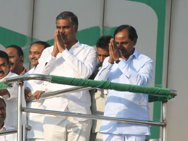 Harish Rao Is Very Interested Join Congress Komatireddy