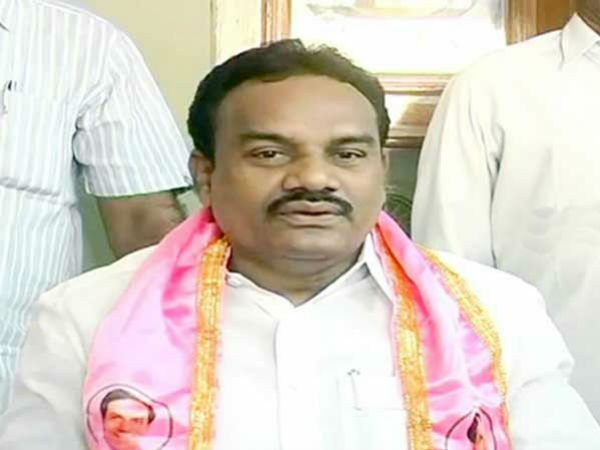 Adilabad TRS MP Nagesh house robbed by thieves, Rs. 15 lakhs theft.