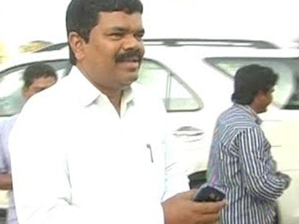 Mla Payam Venkateswarlu Injured A Accident