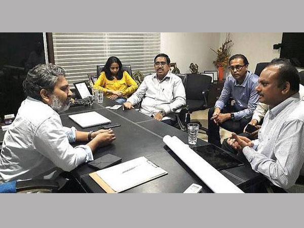 Minister Crda Chief Meet Rajamouli