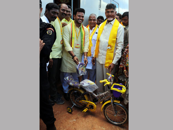 Cycle presented to CM's grandson