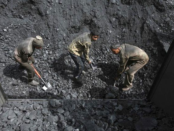 Singareni collieries staff to get Rs 82,000 bonus