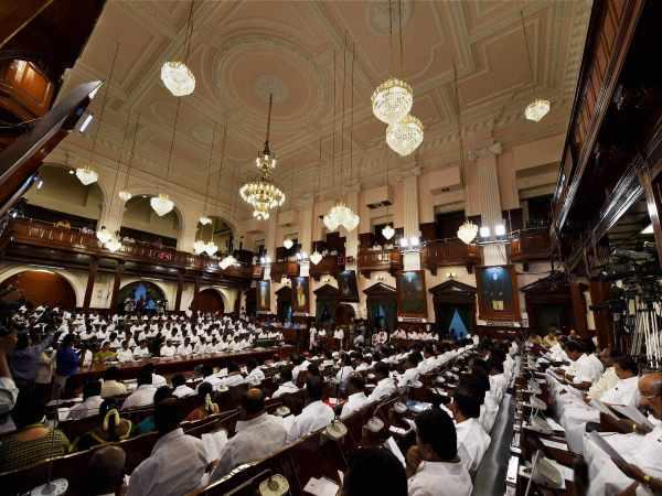 Tamil Nadu Opposition Mlas Set Give Mass Resignation