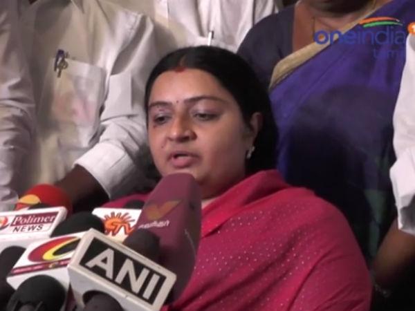 Sasikala Natarajan Enacts Drama Says Deepa Jayakumar