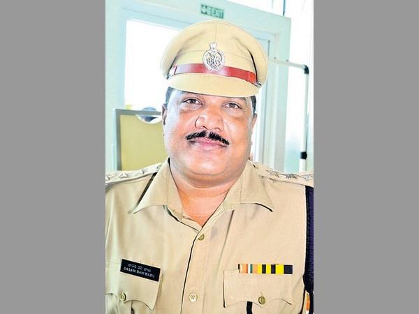 Dsp Ravi Babu Surrendered Chodavaram Police Station