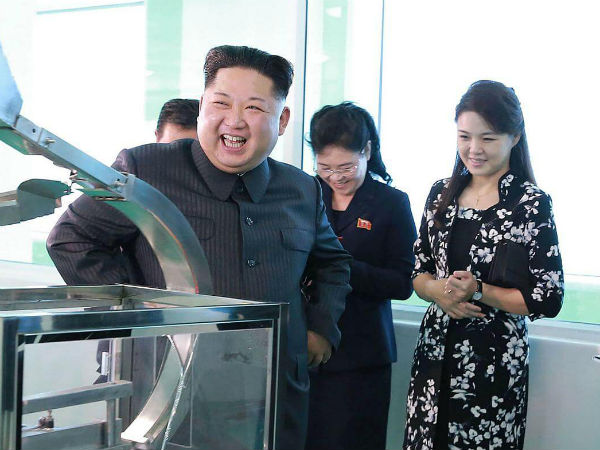 Kim Jong un visits cosmetics factory with wife and sister