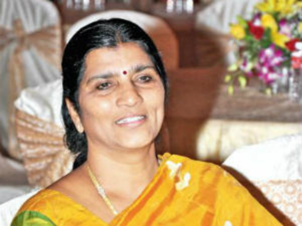 Ysrcp leader Laxmi parvati sensation comments on AP minister Ganta