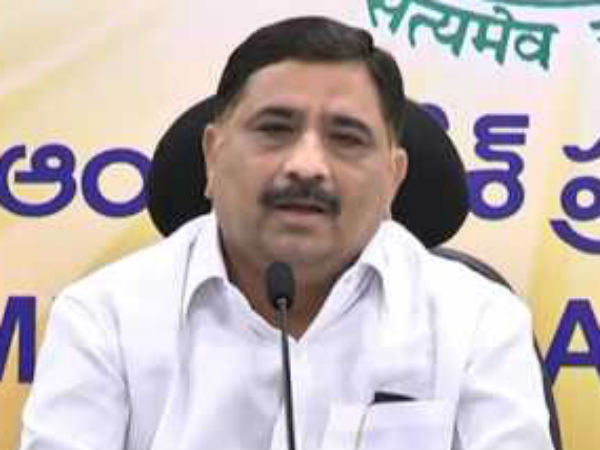 Kalva Srinivasulu questions about YSRCP MPs resignations