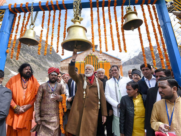 Narendra Modi visited Kedarnath Temple