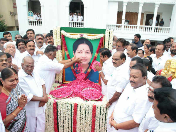 EPS, OPS paint picture of unity at AIADMK anniversary fete