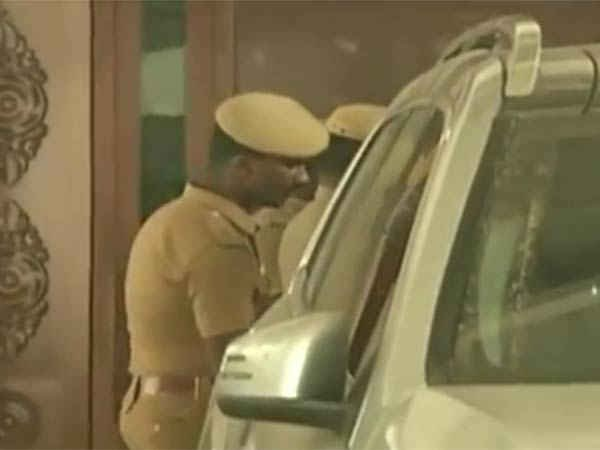 Income Tax raids on VK Sasikala family continue second day