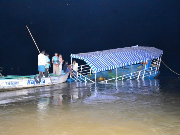 Doubts On Officials Monitoring Over Boat Tourism Andhrapradesh