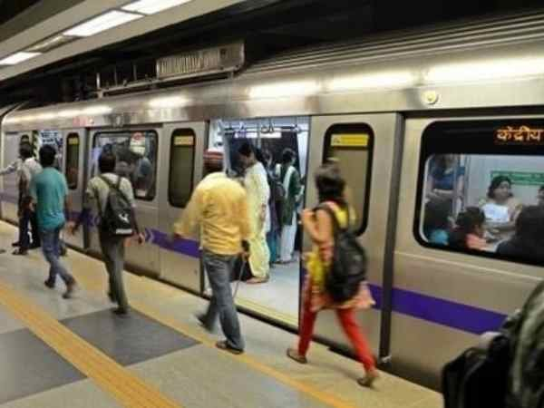 Shootout Near Delhi Metro Station Between Police And Gang Of Car Jackers, 5 Men Arrested