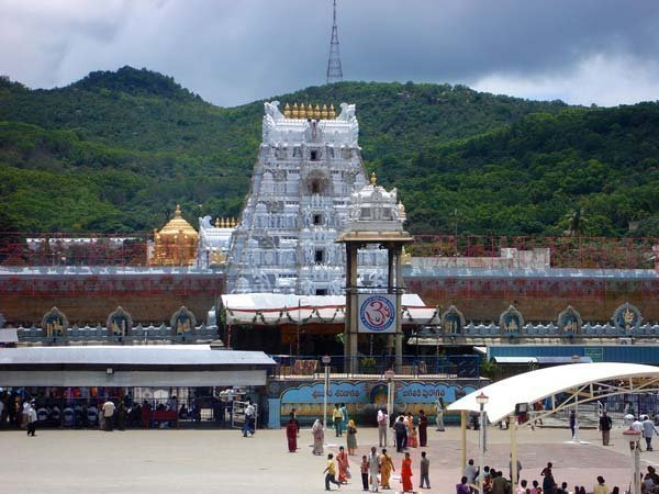 Govt. Officer in Tirumala Tirupati Devasthanams Violates Rules, Goes to Church in Official Car