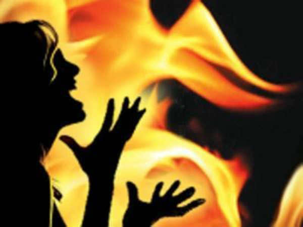 Man's fourth wife sets third wife ablaze, arrested