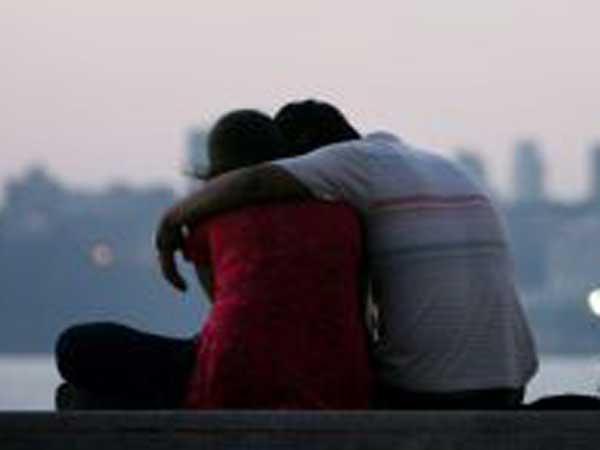 లేడీ ఏఎస్పీతో సీఐ వివాహేతర బంధం: రెడ్ హ్యాండెడ్గా, చెప్పులతో కొట్టారు