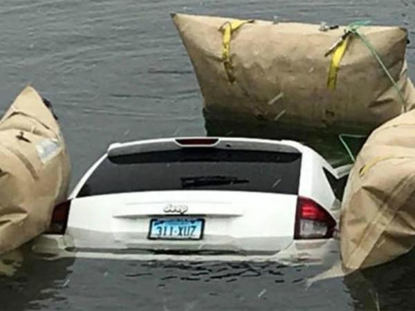 Us Driver Follows Waze S Instructions Drives Suv Into Lake