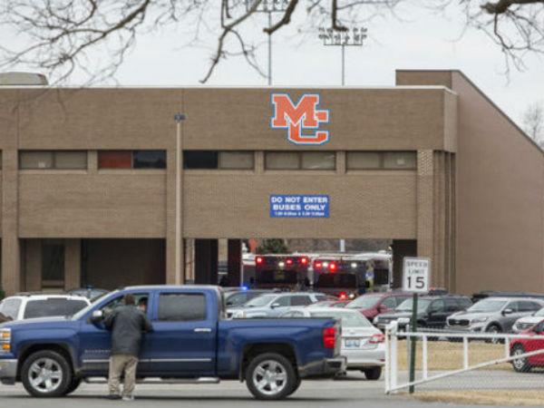 Kentucky School Shooting Two Teenagers Dead 17 Injured