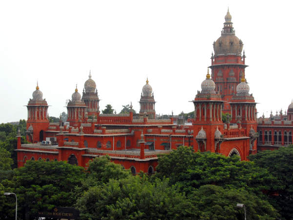 Madras High Court quashes all cases against Vairamuthu