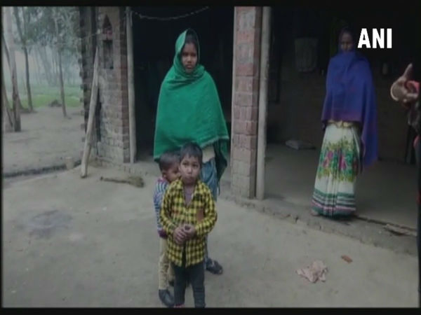 Woman Sells 15 Day Old Child Rs 45 000 Up Husband S Treatment
