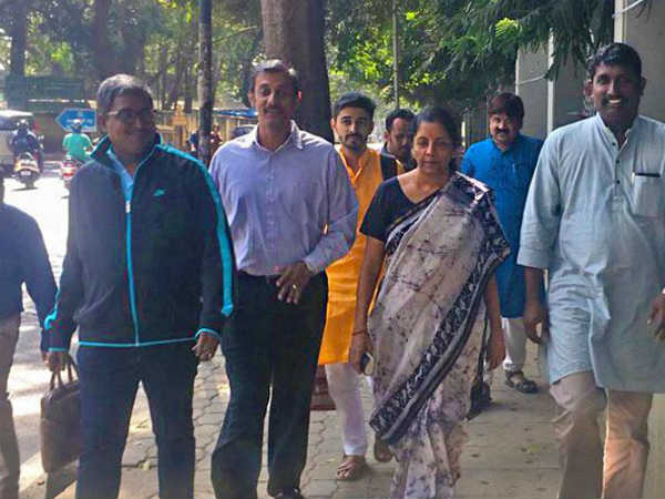 Aam Aadmi Lunch? When Nirmala Sitharaman Walked to a Bengaluru Restaurant for a Meal