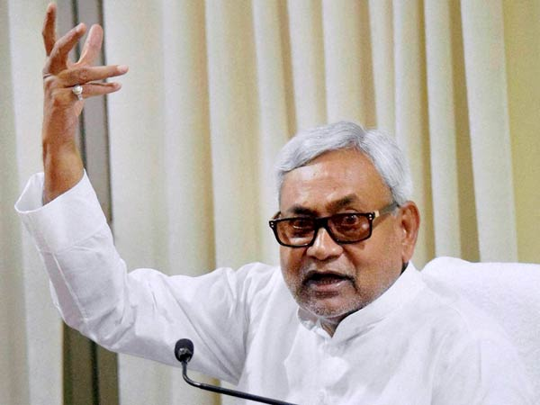 Nitish Kumar's convoy attacked in Bihar, Two security men injured