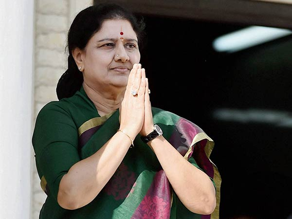 Sasikala Has Asked Arumugasamy Commission That Who Have Given Complaint Against Her