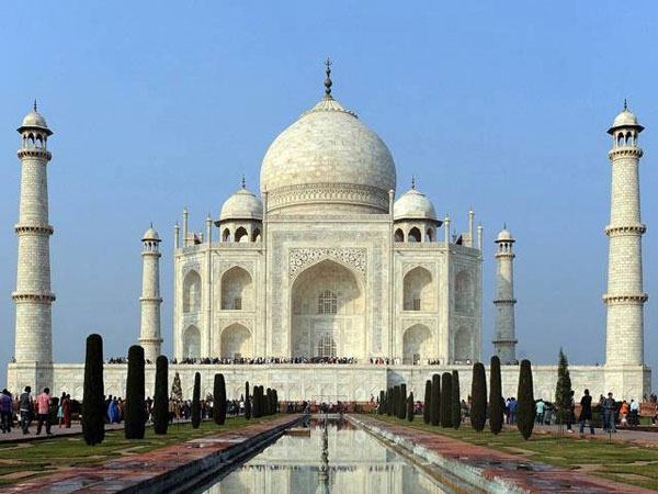 Only 40,000 Indian Tourists Will be Allowed in Taj Mahal Per Day