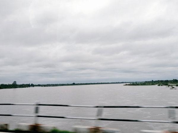 ఒంటిమిట్ట చెరువులో ఐదు మృతదేహలు:  ఎర్రచందనం కూలీలే