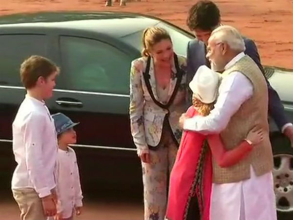 Red carpet welcome for Canadian PM at Rashtrapati Bhavan, meets PM Modi