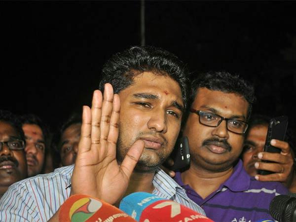 Jaya Tv Ceo Vivek Appears Before Jayalalithaa Probe Panel Chennai