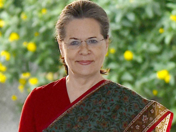 Sonia Rushed Delhi From Shimla Following Health Complications
