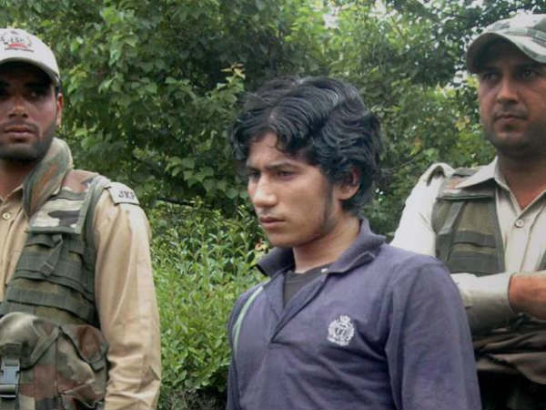 In fresh video, Lashkar's Naveed Jutt emerges with Hizbul militants in J&K