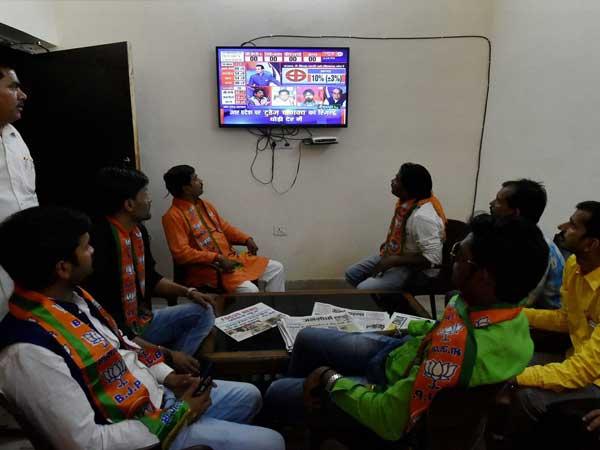 'ఈశాన్య' ఫలితాలు: కమలం దెబ్బకు త్రిపుర ఎర్రకొట బద్దలు, 2 రాష్ట్రాల్లో బీజేపీ, ఖాతా తెరవని కాంగ్రెస్