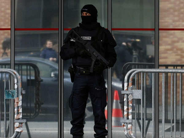 Gunman takes hostages at supermarket in southern France: reports