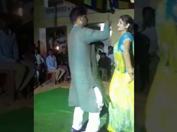 On cam: RJD leader dancing, misbehaving with female performer