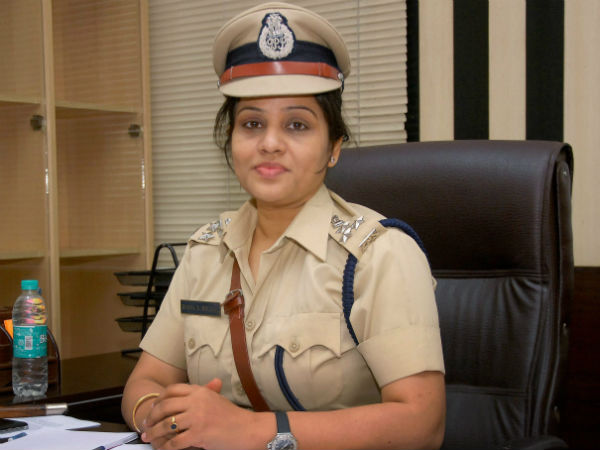 Ips D Roopa Refuses Accept Namma Bengaluru Awards