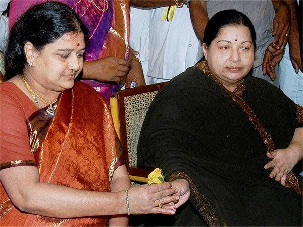 Sasikala Requsts Commission Probing Jayalalithaa S Death Intimate