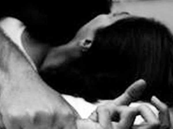 Madhya Pradesh: Dalit woman alleges rape, brings aborted foetus to SP office