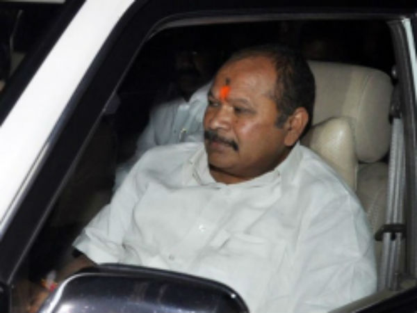 Former minister Kanna Lakshmi narayana admitted in hospital for ill