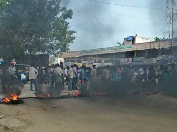 Cauvery issue: Protests erupt in TN, 2 DMK men attempt self-immolation