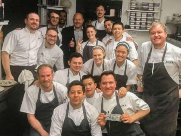 Chicago Restaurant Staff Get 2 000 Tip