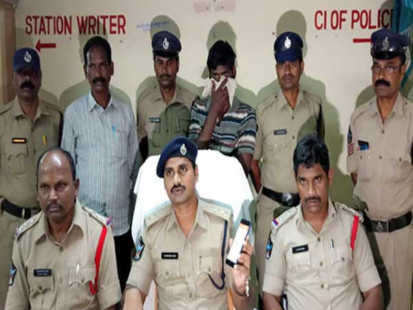Thief held within 6 minutes with help of LHMS in Eluru