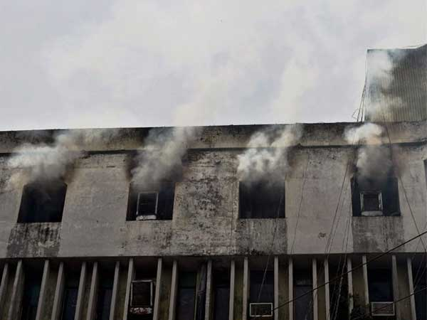 Four Of A Family Dead After Fire Broke Out In A 4-Storey Building In Delhi