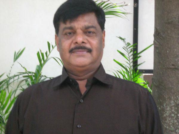 కర్నాటక ఎన్నికలు: కాంగ్రెస్కు ఐటీ షాక్, మంత్రి నివాసంలో సోదాలు