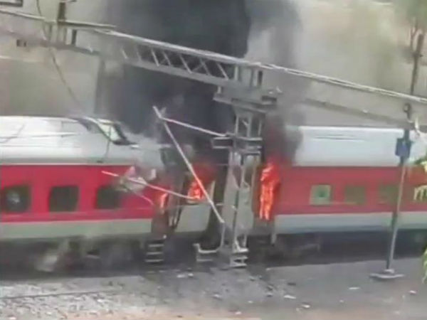 2 Coaches Of Andhra Pradesh Super Fast Express Catches Fire Near Gwalior