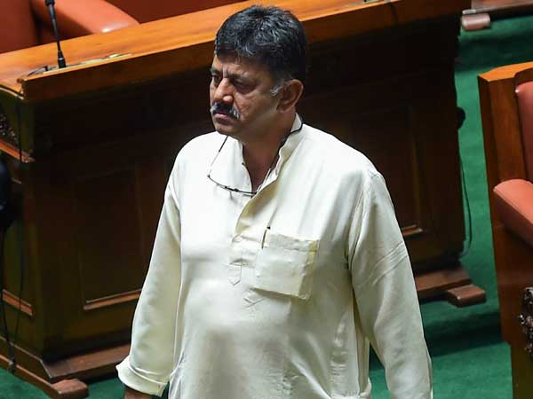 congress asks deputy cm post for dk shivakumar, kumaraswamy rejects it